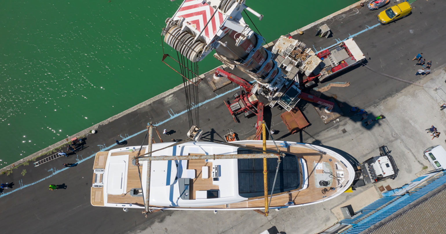 Extra Yachts Premiere at the Yachting Festival de Cannes: Extra 86