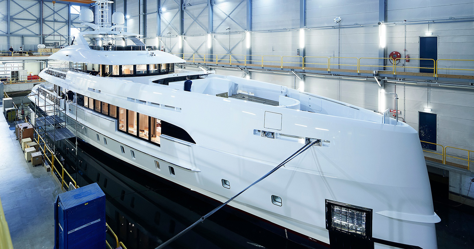 Electra from Heesen: diesel + electricity