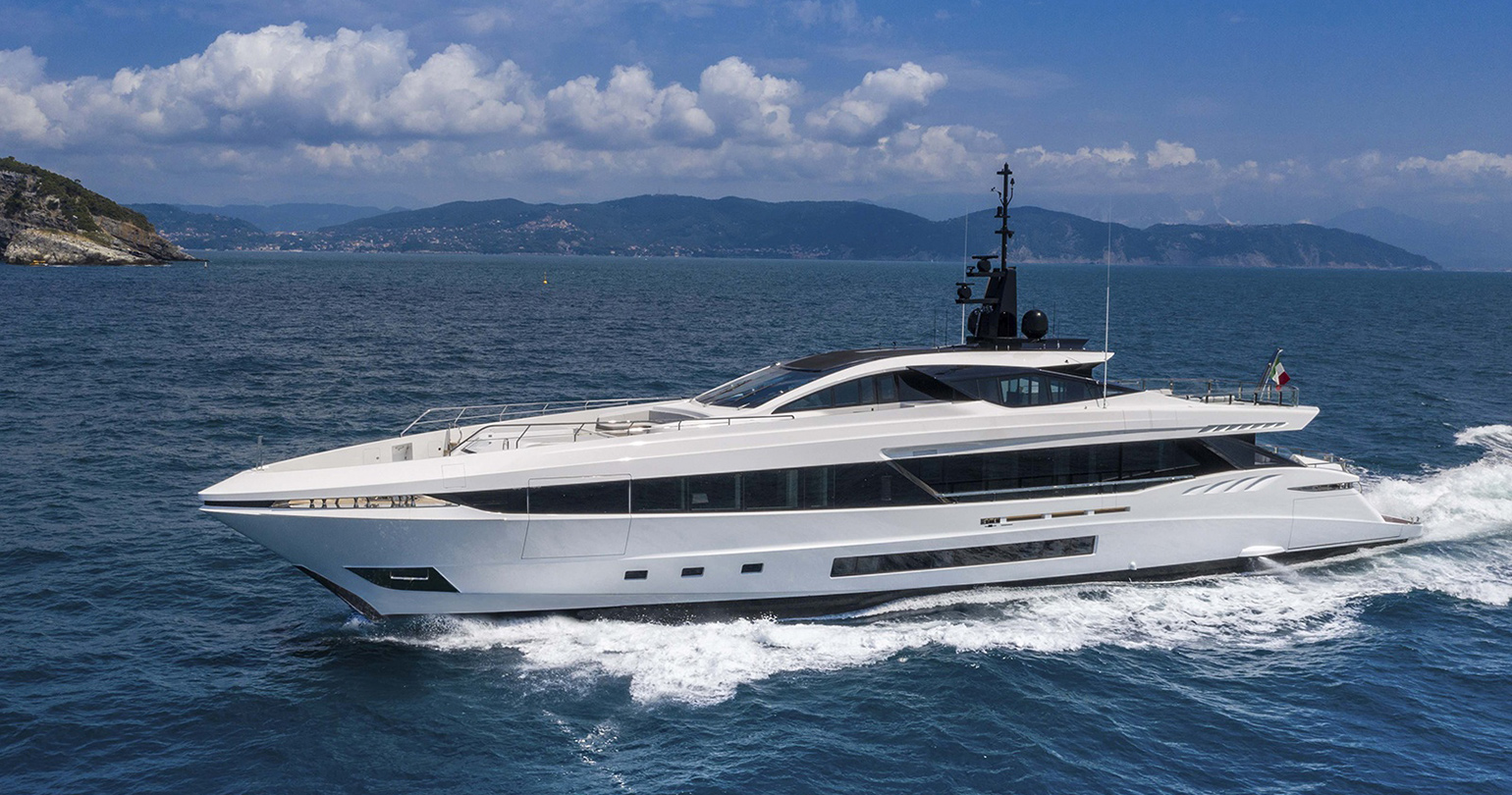 FAST AND LONG-RANGE YACHT: THE NEW MANGUSTA GRAND SPORT 45 SOLD